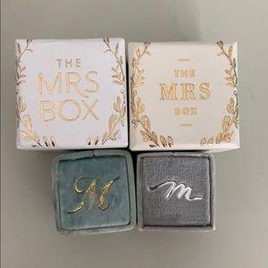 The Mrs Box - velvet Ring Box
